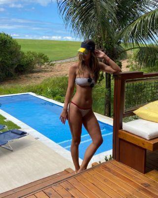 Bahia, comida deliciosa, marzão, sol, areia, vento, pé descalço  Todo mundo ama muito tudo isso né?? 😍☀️   Arrumando as malas e já com saudades! Último dia de mini férias!!! #Bahia